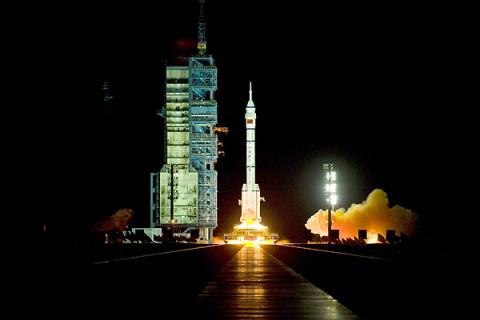 Shenzhou-8 spacecrft