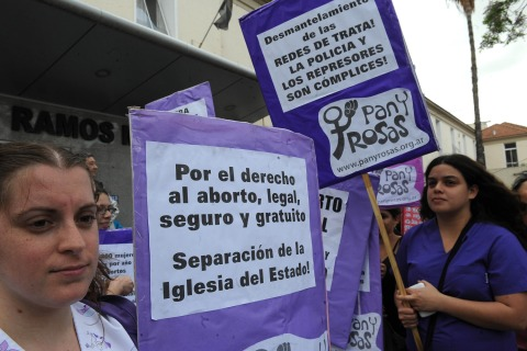Image: Abortion rights activists protest outside a hospital in Buenos Aires, Argentina