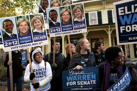 image: Supporters of Elizabeth Warren cheer for her outside the Graham & Parks School in Cambridge, Mass., Nov 6, 2012.
