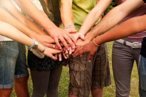 Millennials volunteering
