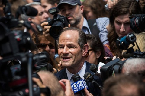 Eliot Spitzer Collects Signatures For NYC Comptroller Run